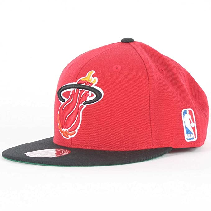 61da8db00452c4 Amazon.com : Mitchell & Ness Men's Miami Heat Fitted Hat 7 1/4 Red ...