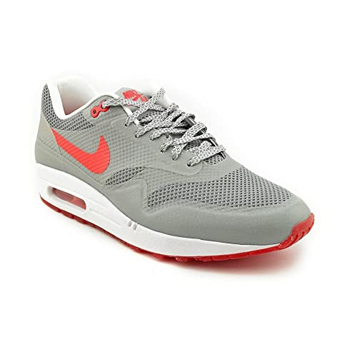 super popular 53795 2de3f Amazon.com   Nike Women s WMNS Air Max 1 Fuse, MATTE SILVER HYPER  RED-WHITE, 9 M US   Athletic