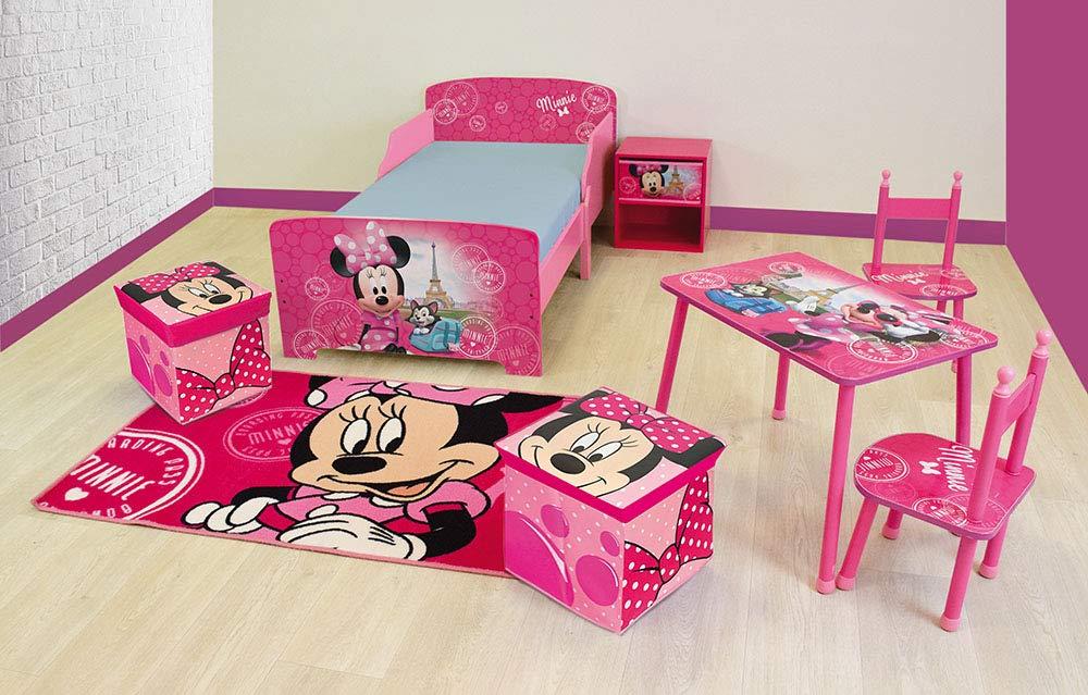 dun tapis et de 2 petits coffres /à jouets pliables pour enfant dun chevet dune table avec 2 chaises FUN HOUSE 713146 DISNEY MINNIE Pack chambre compos/é dun lit