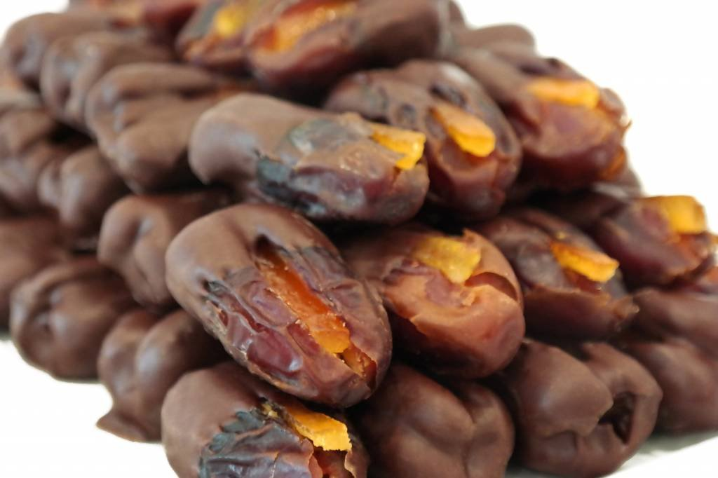 Bateel USA Khidri Dates Dark Chocolate Candied Orange Peel