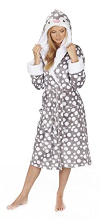 9e6e865a5 Forever Dreaming Ladies Novelty Spotted Hooded Dressing Gown Grey Penguin  XL: Amazon.co.uk: Clothing
