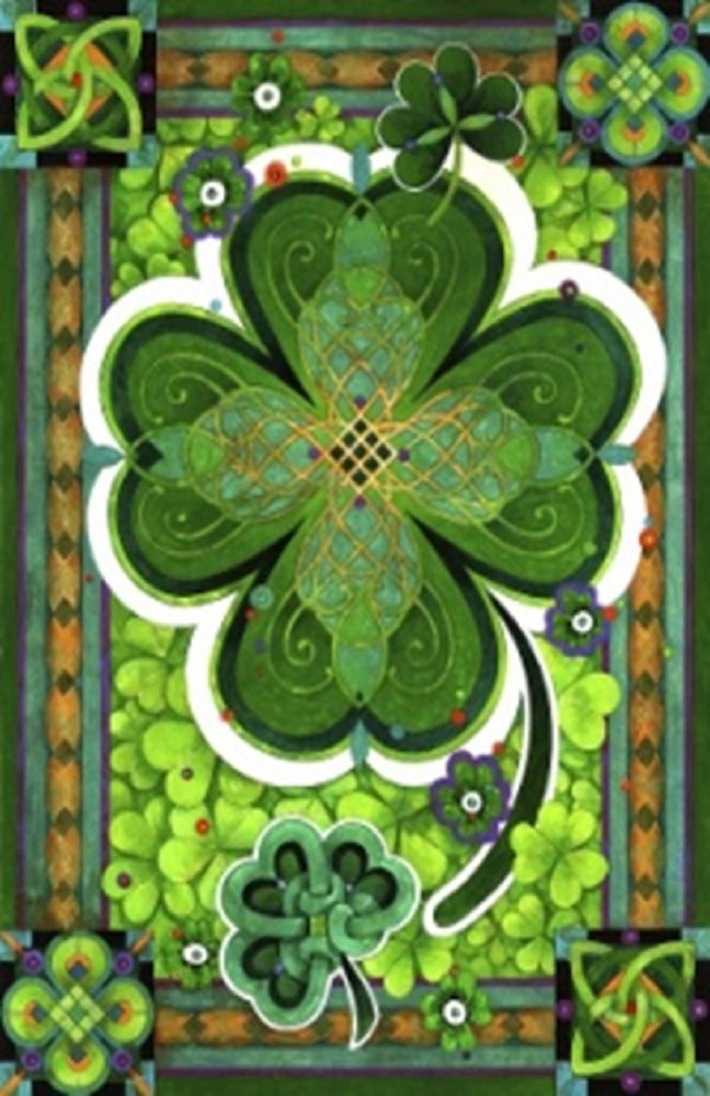 amazoncom shamrocks st patricks day decorative house flag clovers irish holiday green 28 x 40 patio lawn u0026 garden