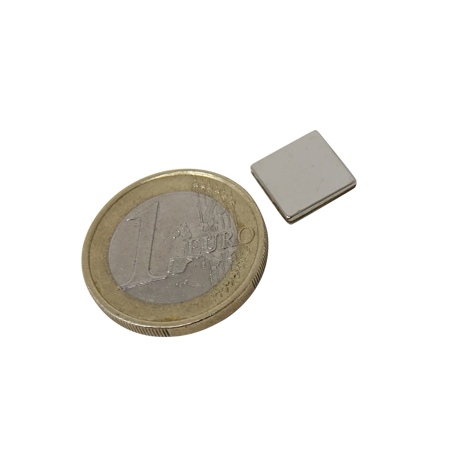 MagnetMate 5 Neodymium Disc Magnets Extra Strong Magnetisation N52 Permanent Magnets 20 x 5 mm Extremely High Holding Force//Office//Fridge//Whiteboard//Presentation//Kitchen