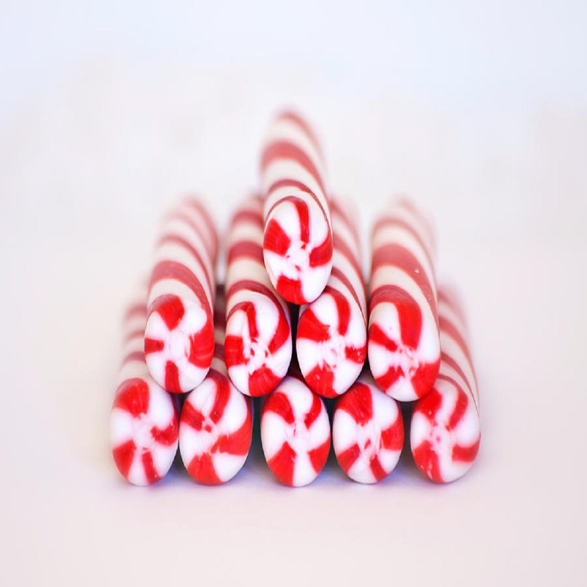 PEPPERMINT TWIST FRAGRANCE OIL - 8 OZ - FOR CANDLE & SOAP MAKING BY VIRGINIA CANDLE SUPPLY - FREE S&H IN USA
