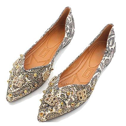 56c612088c7d1 Amazon.com: August Jim Women's Comfort Flats Shoes Retro Print Rivet ...