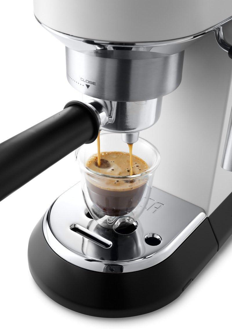 Delonghi Dedica - Cafetera de Bomba de Acero Inoxidable para Café Molido o Monodosis, Cafetera para Espresso y Cappuccino, Depósito de 1.3 Litros, Sistema Anti-goteo, EC685.W, Blanco: Amazon.es: Hogar