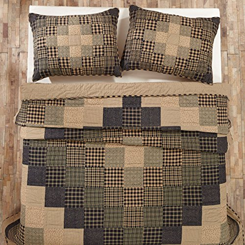Coal Creek Queen Quilt Bundle - 3 Piece Set. Set Contents: 1 Queen Quilt (94 x 94), 2 Standard Shams (21 x 27)