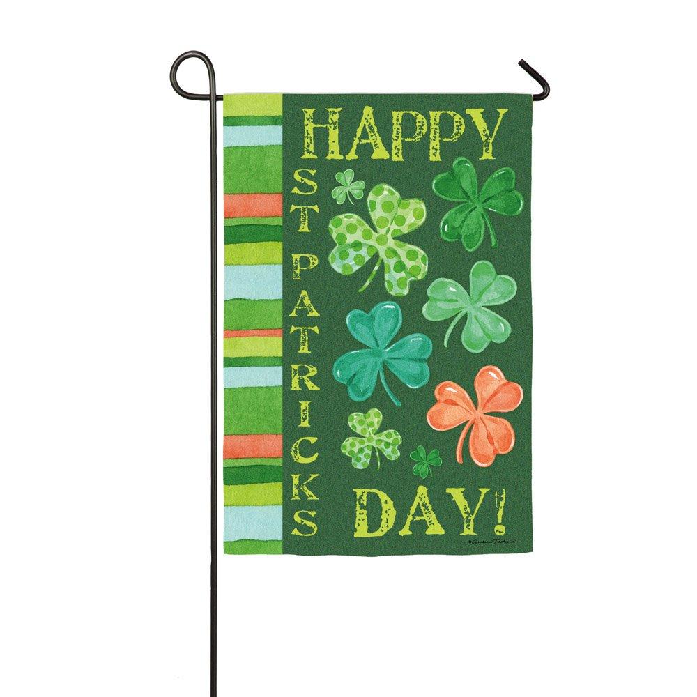 Amazon.com : Happy St. Patrick\'s Day Shamrock Garden Flag : Garden ...