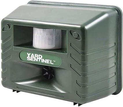 ALEKO Battery Powered Outdoor Garden Ultrasonic Animal Repeller