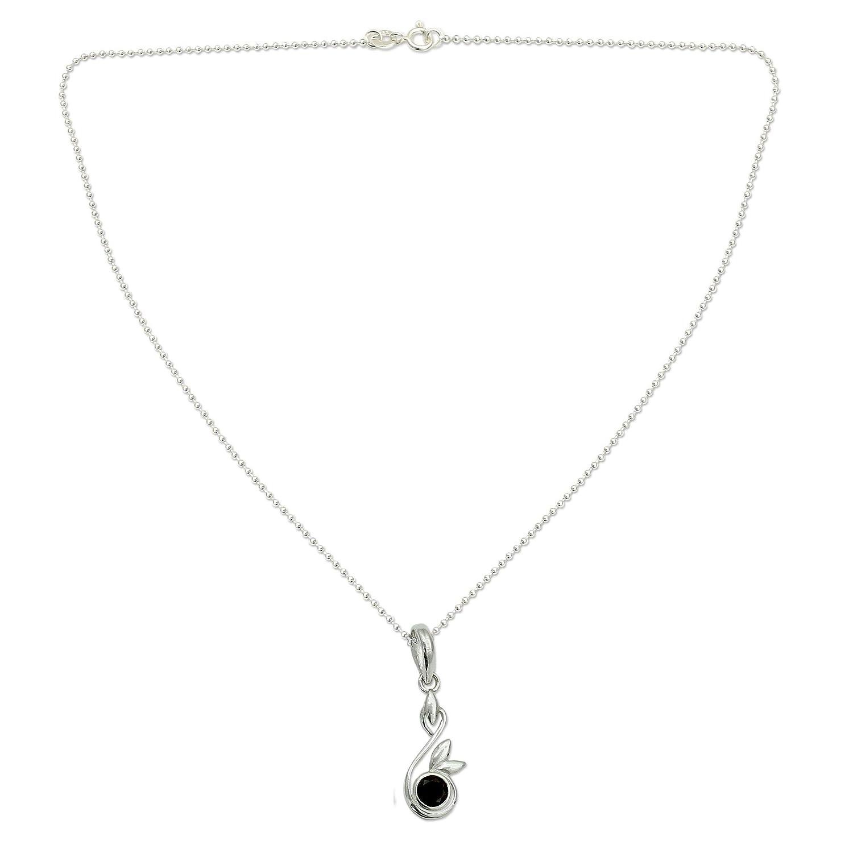15.75 New Growth NOVICA Garnet .925 Sterling Silver Pendant Necklace