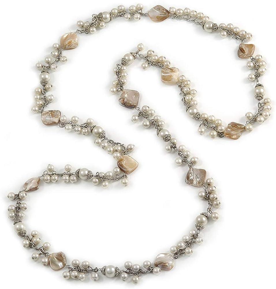 Avalaya - Collar largo con cuentas de cristal color crema, concha de mar blanca antigua con cadena en tono plateado, 140 cm de largo