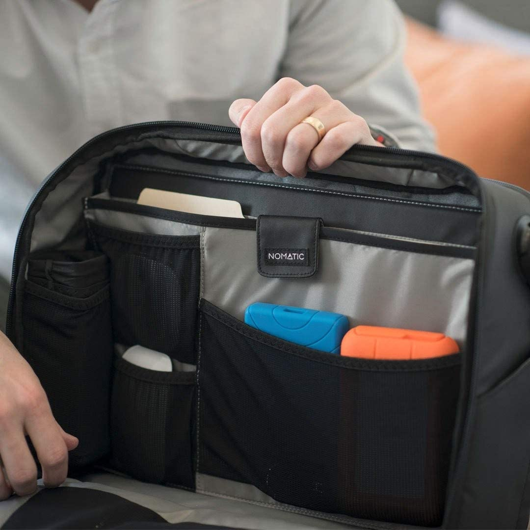 nomatic messenger bag review