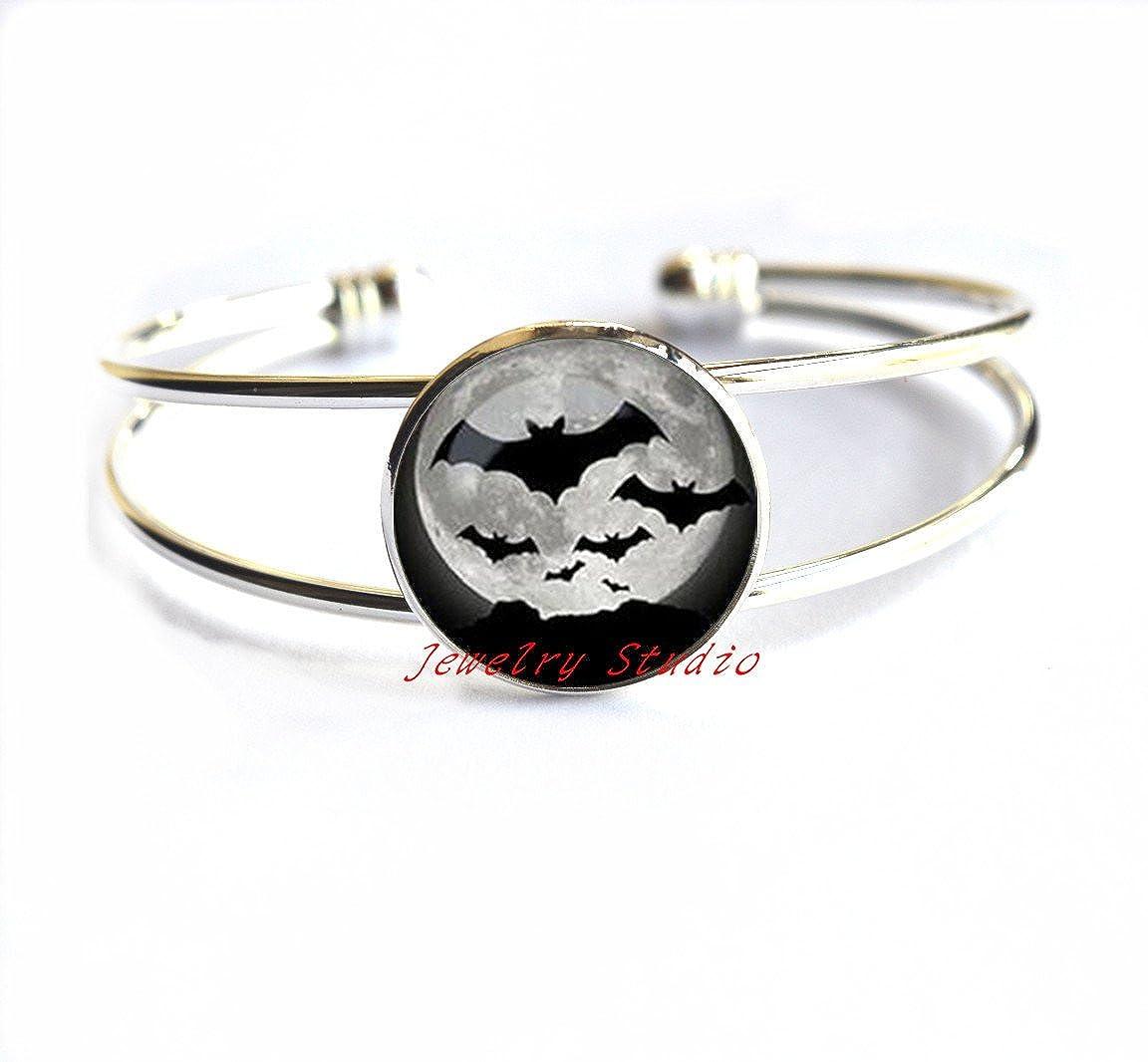 Charming fashion Bracelet,Halloween Bat Bracelet Full Moon Bracelets Halloween jewelry Glass Dome Bracelets Bracelet,Halloween Jewelry Bat Jewelry Holiday Jewelry Black Jewelry-HZ0085