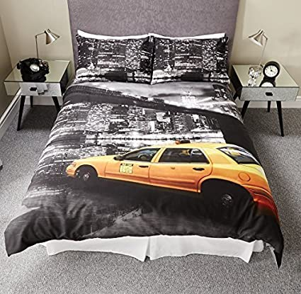 fa10153608f NEW YORK CITY MONTAGE SKYLINE TAXI CAB BLACK & WHITE DUVET SET QUILT COVER  BEDDING (Double) by Pieridae: Amazon.co.uk: Kitchen & Home