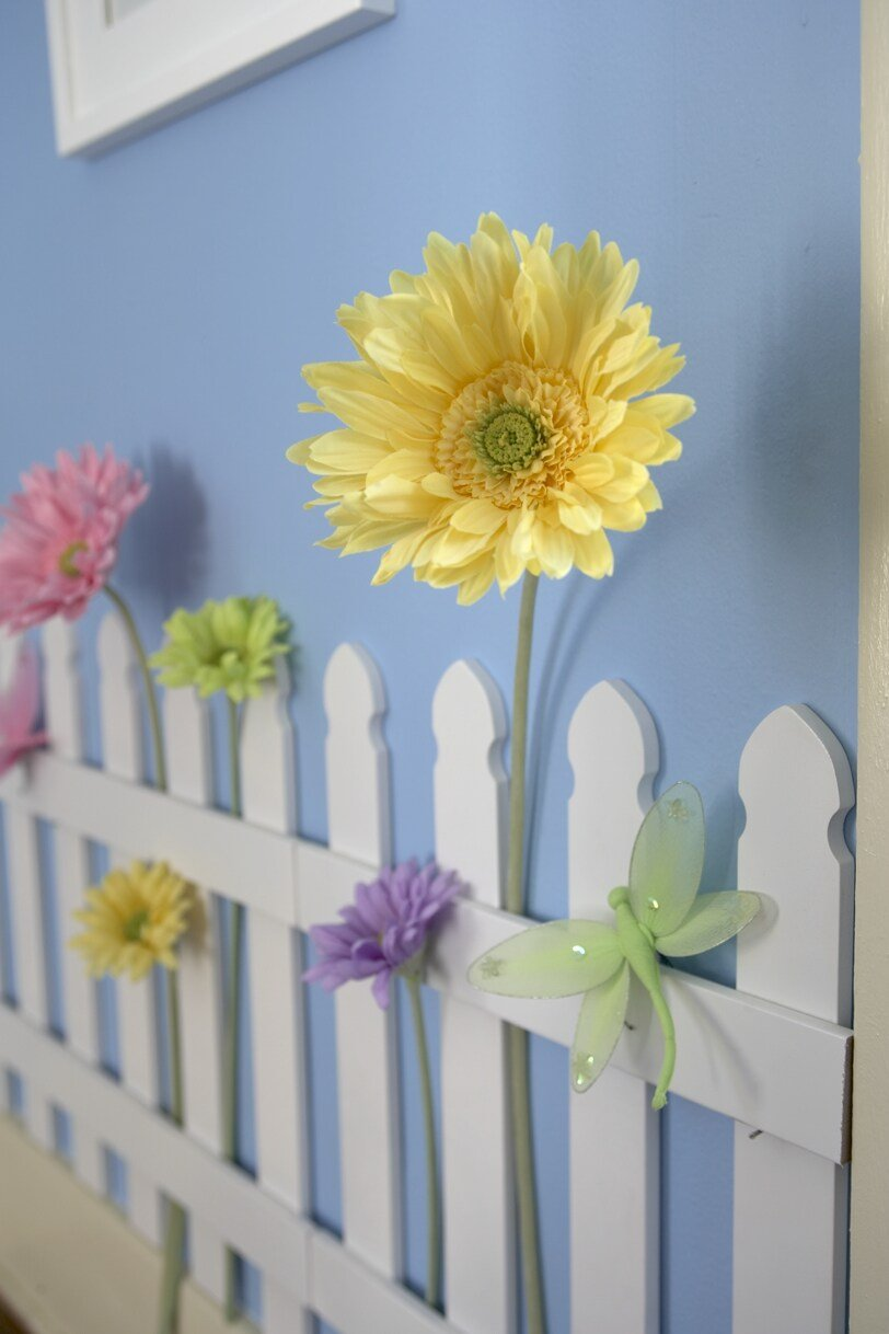 Amazon.com : Butterfly Garden Decor For Kids Room Wall Border Picket Fence  2pc Set : Childrens Wall Decor : Baby