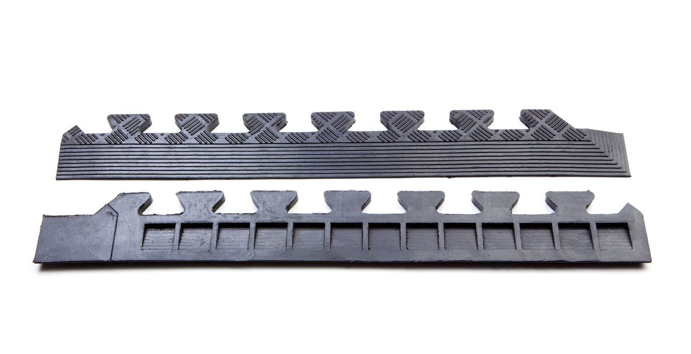 Studded rubber interlocking tiles mat warehouse