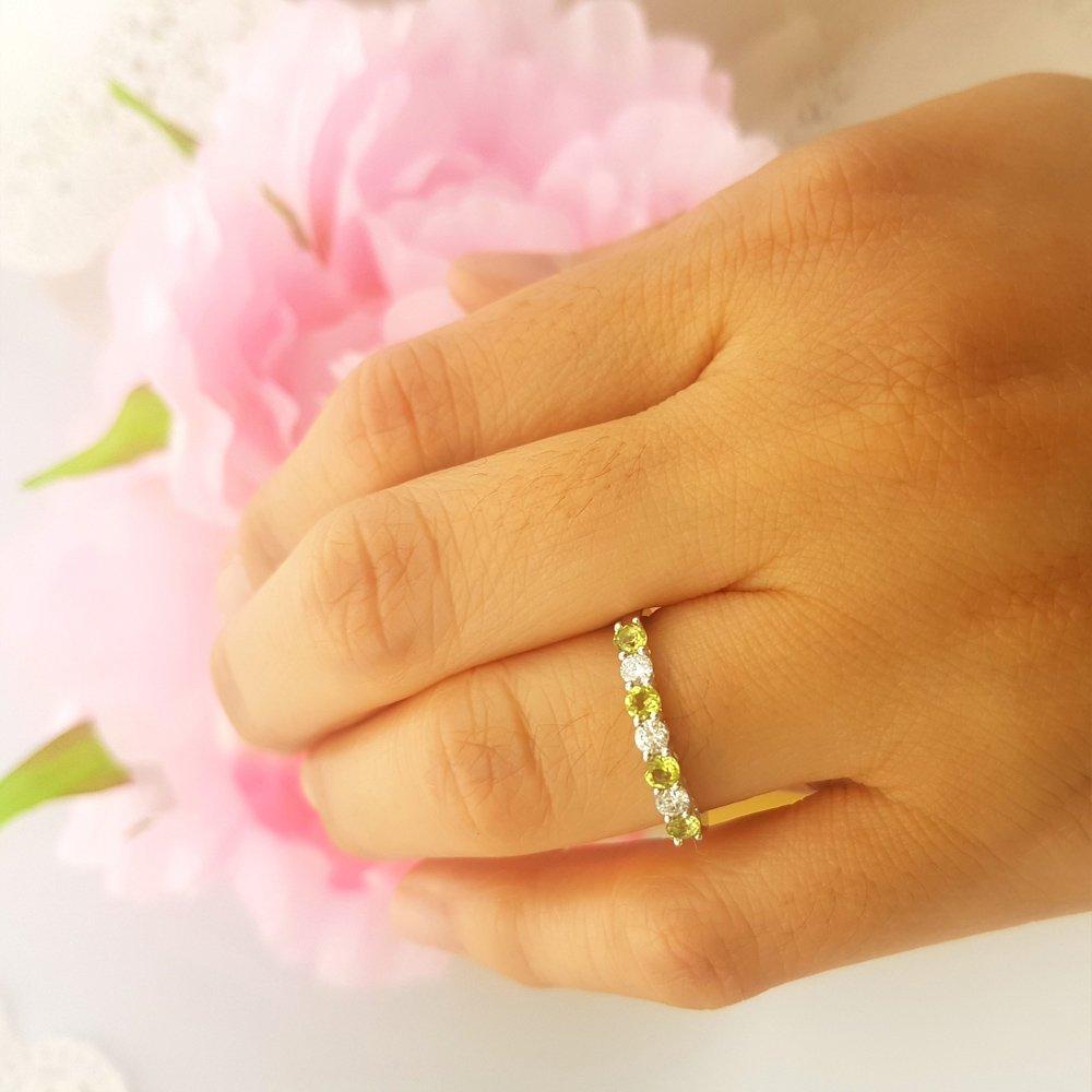 Dazzlingrock Collection 14K Round Peridot & White Diamond Ladies 7 Stone Wedding Band Ring, White Gold, Size 8 by Dazzlingrock Collection (Image #5)