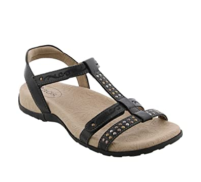c86b4bd61e1 Taos Footwear Women s Award Black Sandal 6 B (M) US