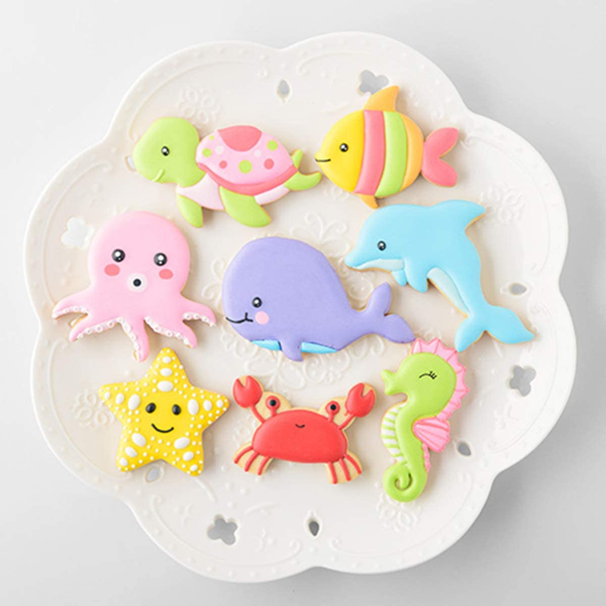 Cookie Cutters 8 Pieces Biscuit Sandwich Cutter Dolphin Whale Octopus Fish Shapes Vegetables Fruits Bread Crust Slicer Kit for Kids Bento Lunch Box