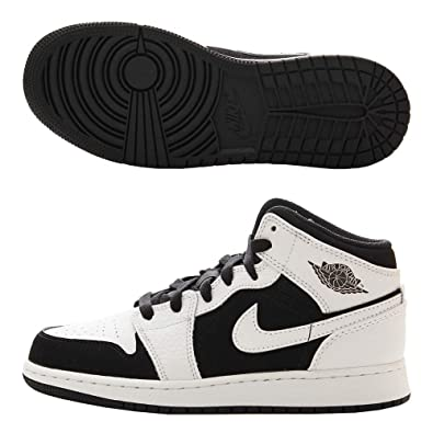 6bb2480e00353 Jordan Boy's Air 1 Mid Basketball Shoe, White/Black-White (113), 5Y