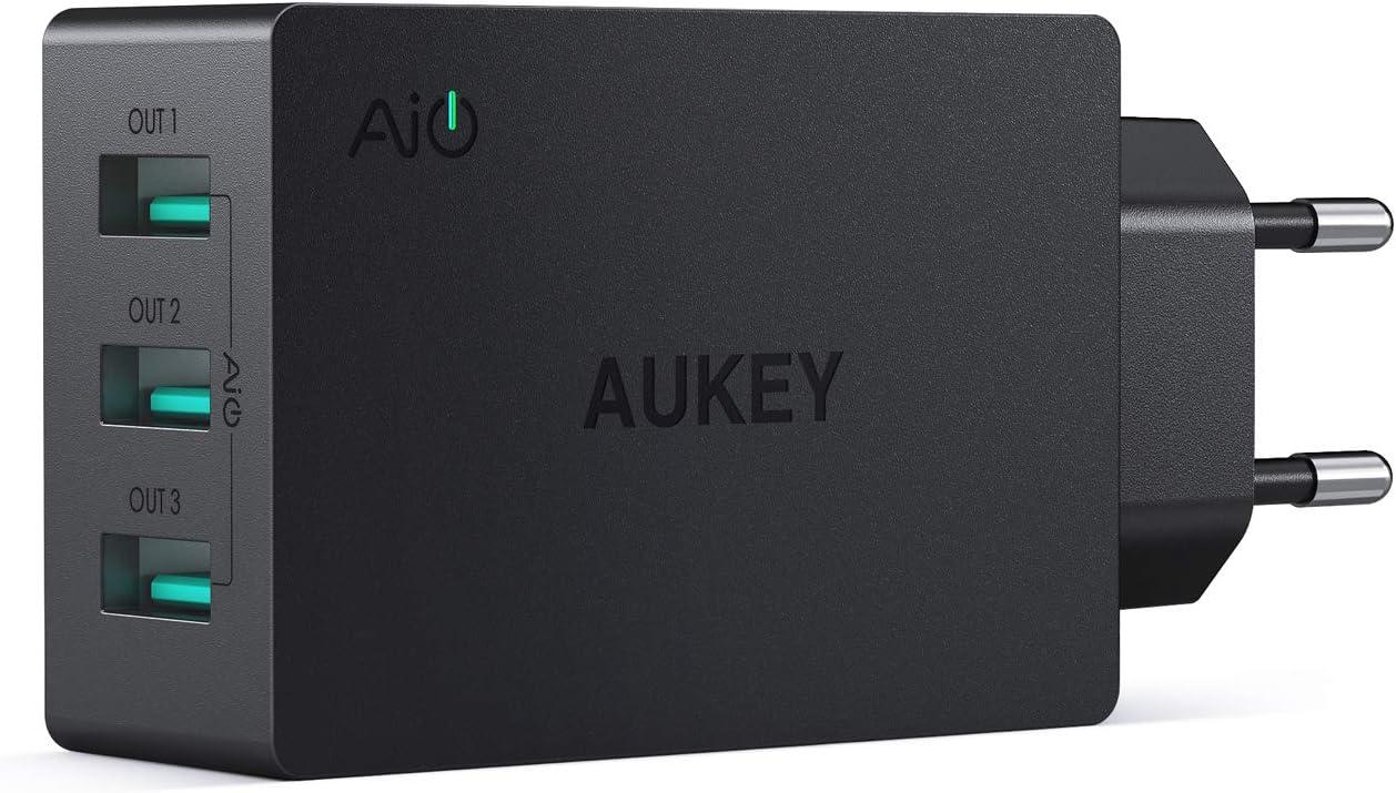 AUKEY Cargador iPhone, Cargador USB de Pared con 3 Puertos USB 30W / 6A con Tecnología AiPower Una Corriente Máxima de 2,4A Cargador Móvil para iPhone XS / XS Max / XR, iPad Air / Pro, Samsung, HTC, L