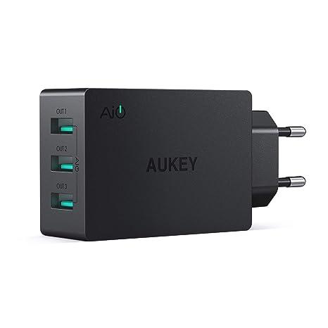 AUKEY Cargador USB de Pared con 3 Puertos USB 30W / 6A con Tecnología AiPower Una Corriente Máxima de 2,4A Cargador Móvil para iPhone XS / XS Max / ...