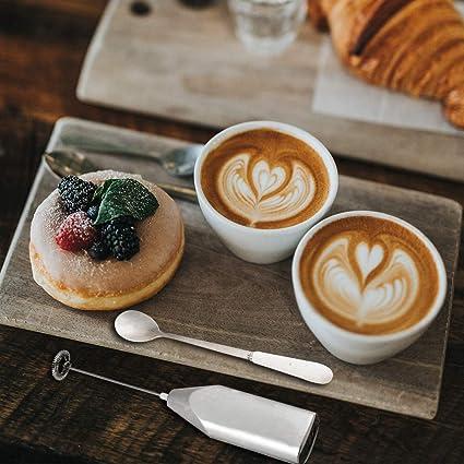 Espumador de leche eléctrico, con cuchara mezcladora de mano de hierro de espuma, ideal para café, café y café (plata): Amazon.es: Hogar