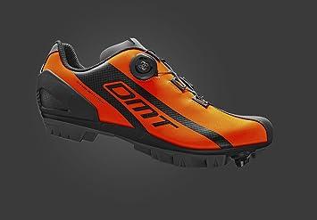 DMT M5, color naranja,negro, talla EU 45