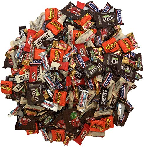 Betalicious Bulk Chocolate, Individually Wrapped: 5 LB Bag Variety Pack with M&M, Musketeers, Milky Way, Twix, Snickers, Hershey's Chocolate Bars, Kit Kat Bars, Reese's PB Cups, Whoppers