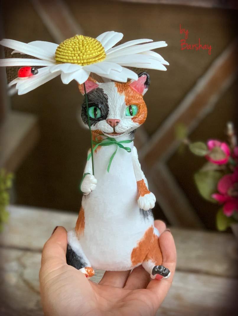 Cat with daisy camomile umbrella doll toy Stuffed soft kitten doll Home design decor Cute art creature ladybug