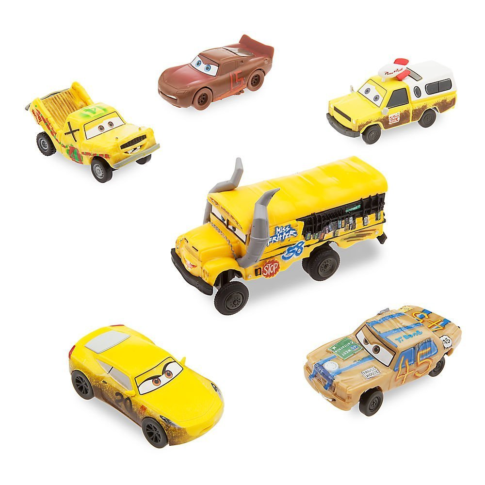set de coches del ocho loco, Miss Fritter, Cruz Ramirez, Rayo McQueen y dos mas