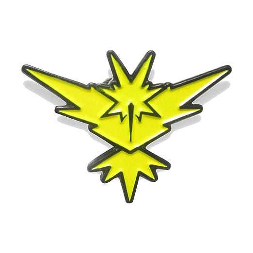amazon com zapdos instinct pokemon team pin clothing