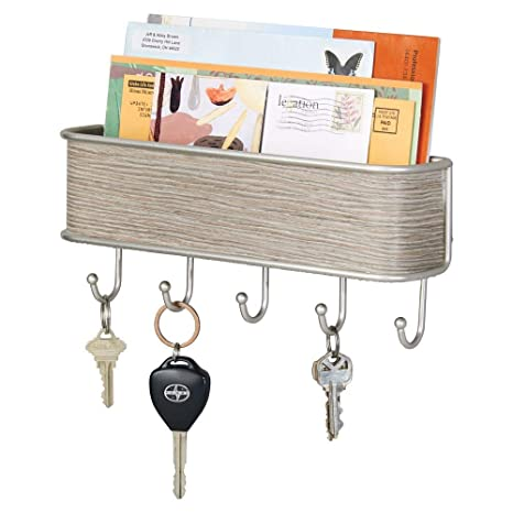 mDesign Colgador de llaves con estante para uso variado - Organizador de llaves en metal resistente mate y madera pura - Con práctico estante para ...