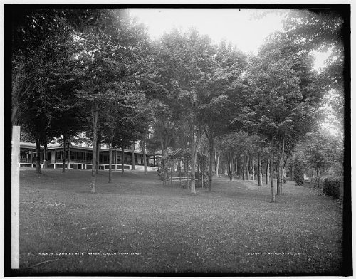 Photo: Lawn,Hyde Manor,Green Mountains,Sudbury,hotels,resorts,inns,Vermont,VT,1900