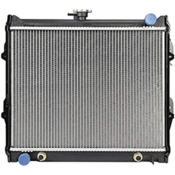L4 2.4L 2WD A//T, 945 for 1984 1995 Toyota Pick up 2WD Radiator