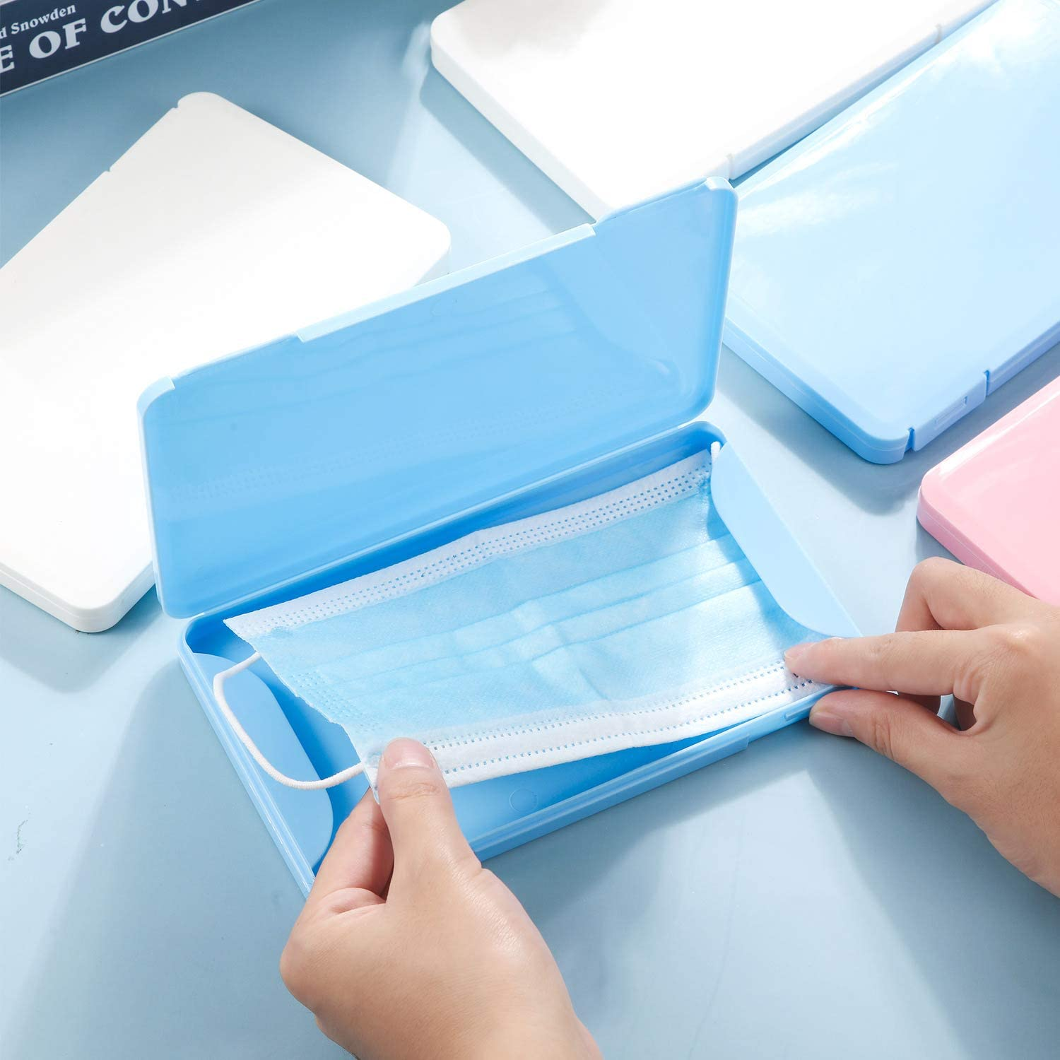 3 Pieces Face Covering Storage Box Plastic Reusable Keeper Folder Portable Plastic Container Case with Lids for Pollution Prevention Face Covering Storing Supplies