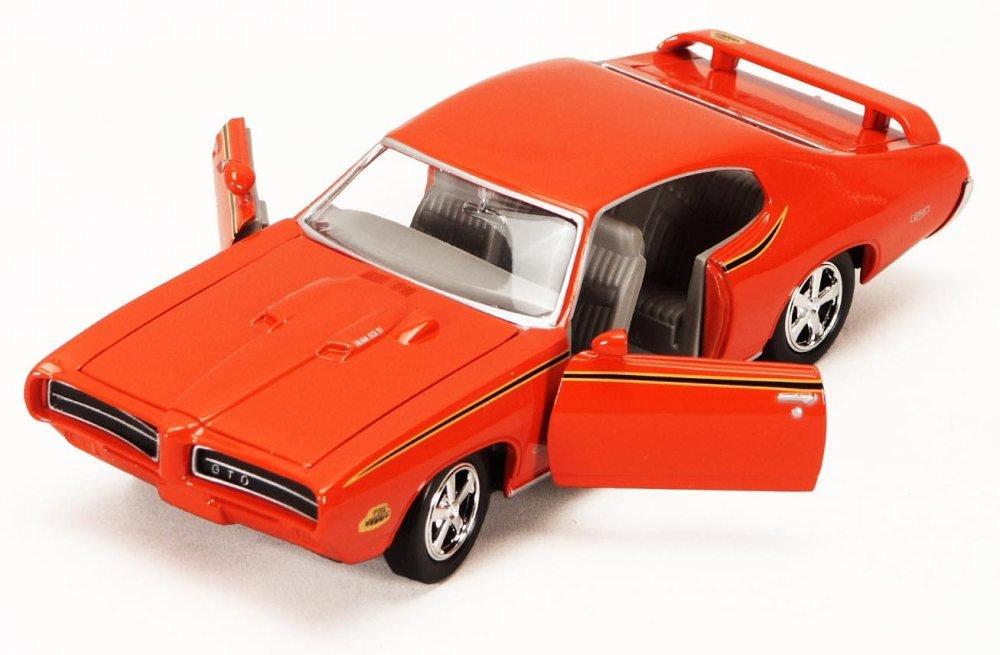 1969 Pontiac GTO Judge, Orange - Motormax Premium American 73242 - 1/24 Scale Diecast Model Car by Motor Max