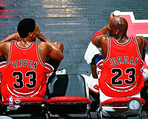 Michael Jordan Photo - Scottie Pippen and Michael Jordan Chicago Bulls NBA Action Photo (Size: 8