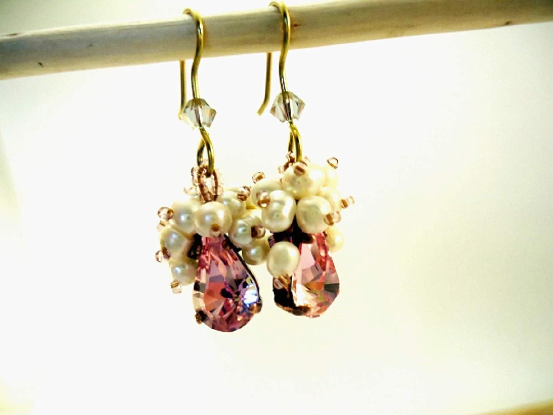 Delicados Pendientes lágrima Cristal Swarovski y perlas de río