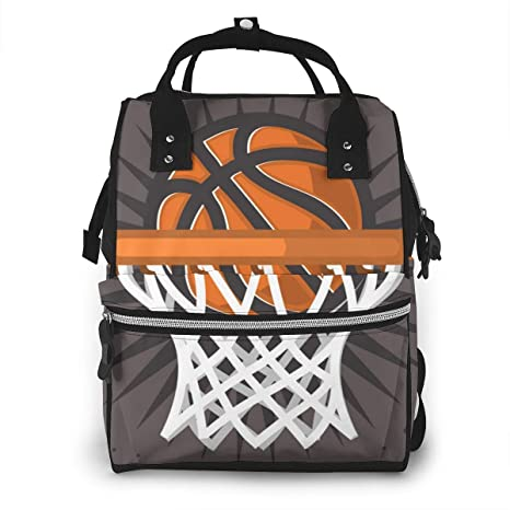 Bolsa de pañales, aro de baloncesto y una pelota Mochila de viaje ...