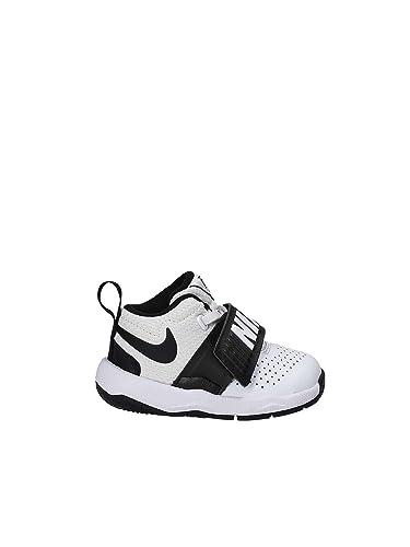 Nike White Team Hustle D 8 Toddler Shoe (7 Toddler M)
