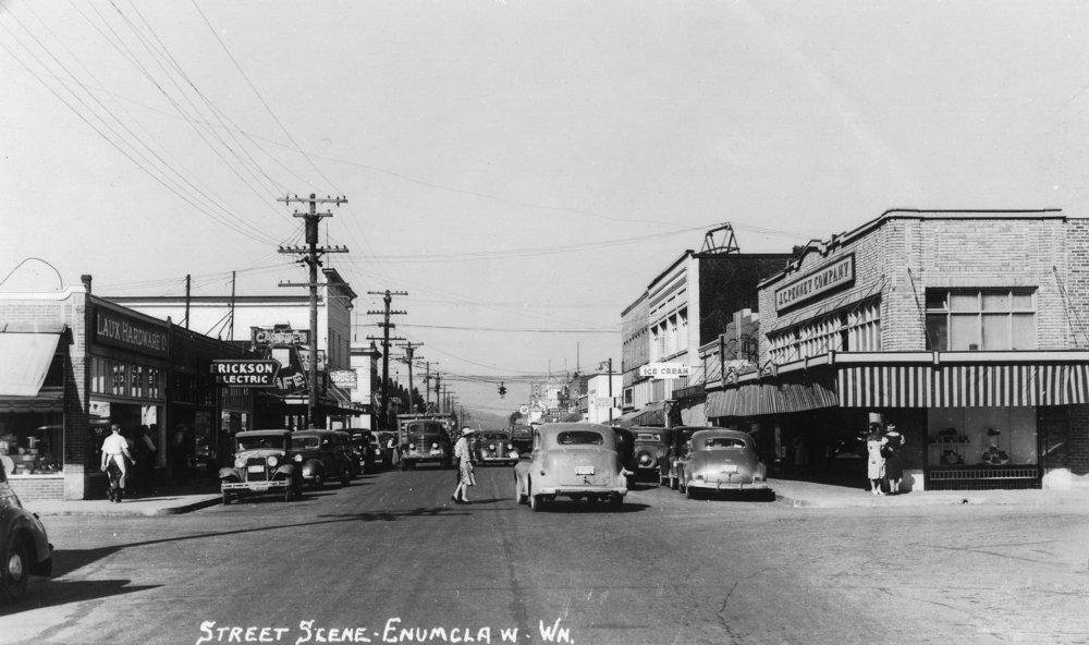Enumclaw、ワシントン – Aストリートシーン 36 x 54 Giclee Print LANT-11074-36x54 B01MG3F1WM  36 x 54 Giclee Print