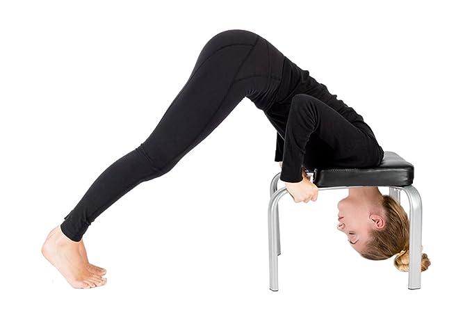 Panca da yoga per sirsasana postura regina bianco