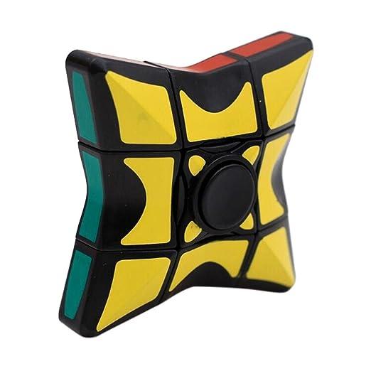 La mano ruotare il cubo di Rubik giocattolo, Mamum liscio e velocità ...