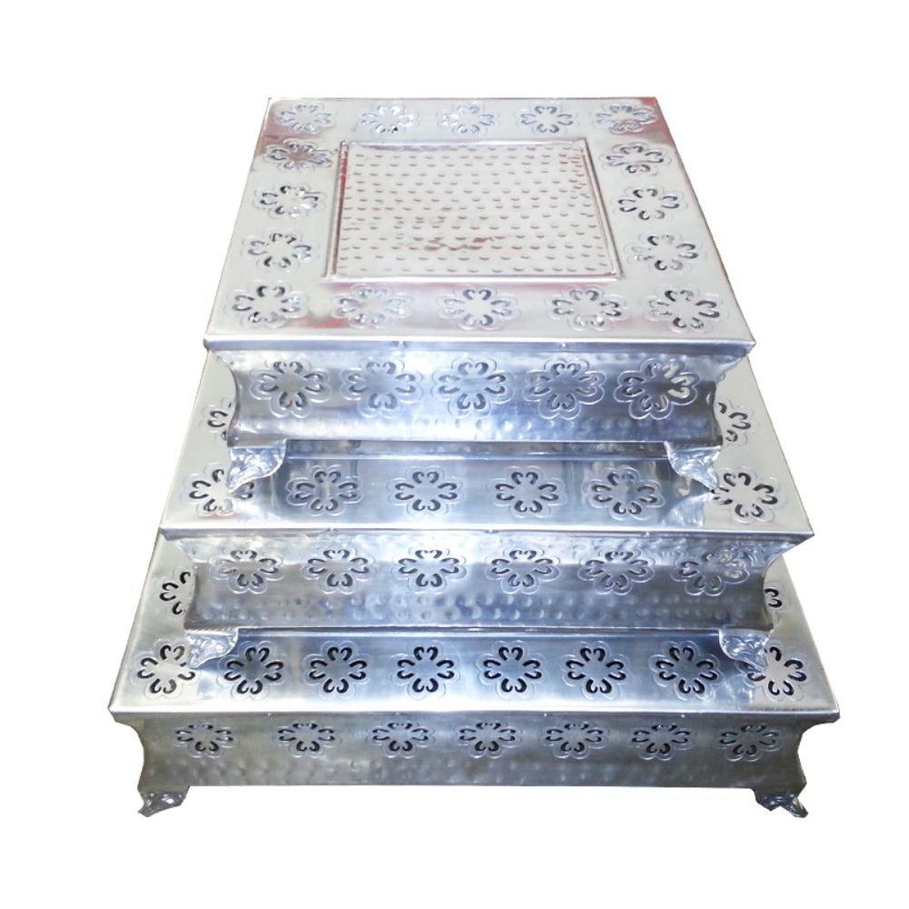 Benzara ETD-EN12267 Fantastic Square Cake Stand44; Silver - 6.5 x 22 x 22 - 3 Piece