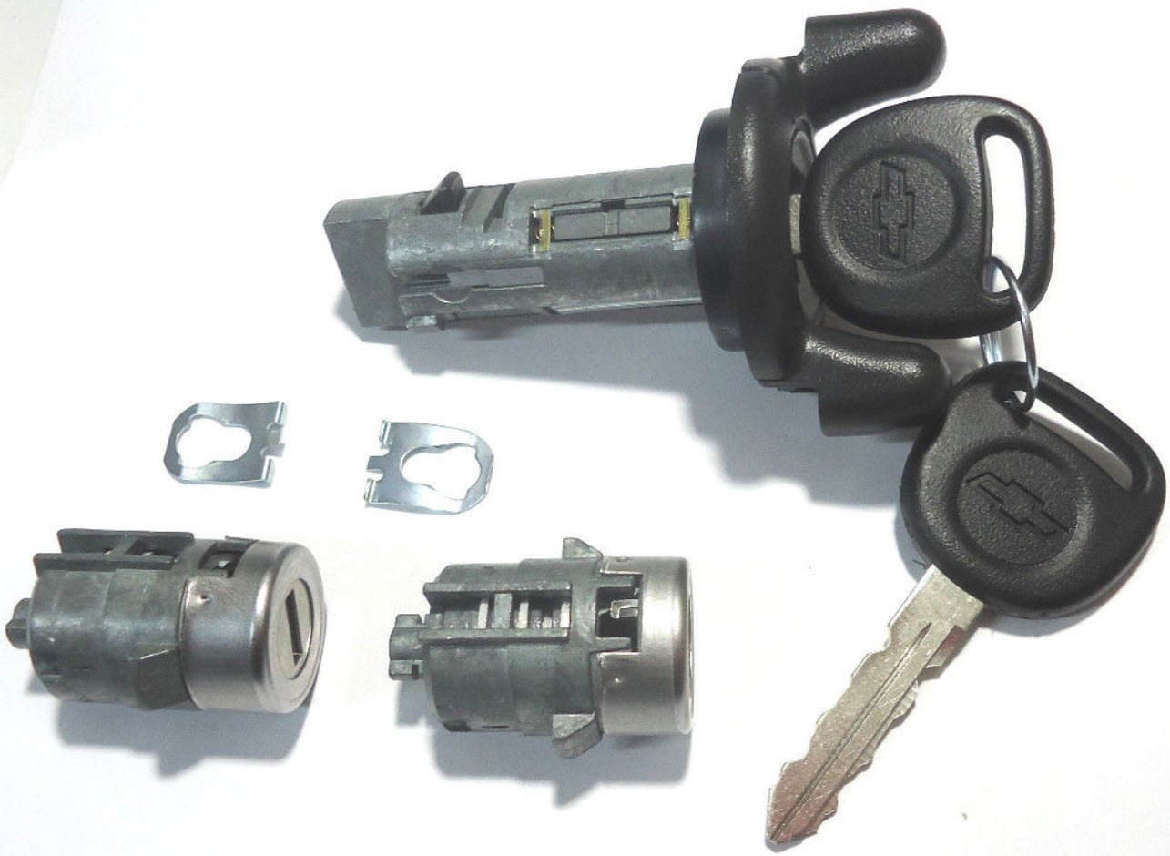 Chevy Ignition Switch Lock Cylinder + Pair (2) Door Lock Cylinder W/2 Logo Keys STRATTEC / OEM 704600 + 702912 X2 + 598007