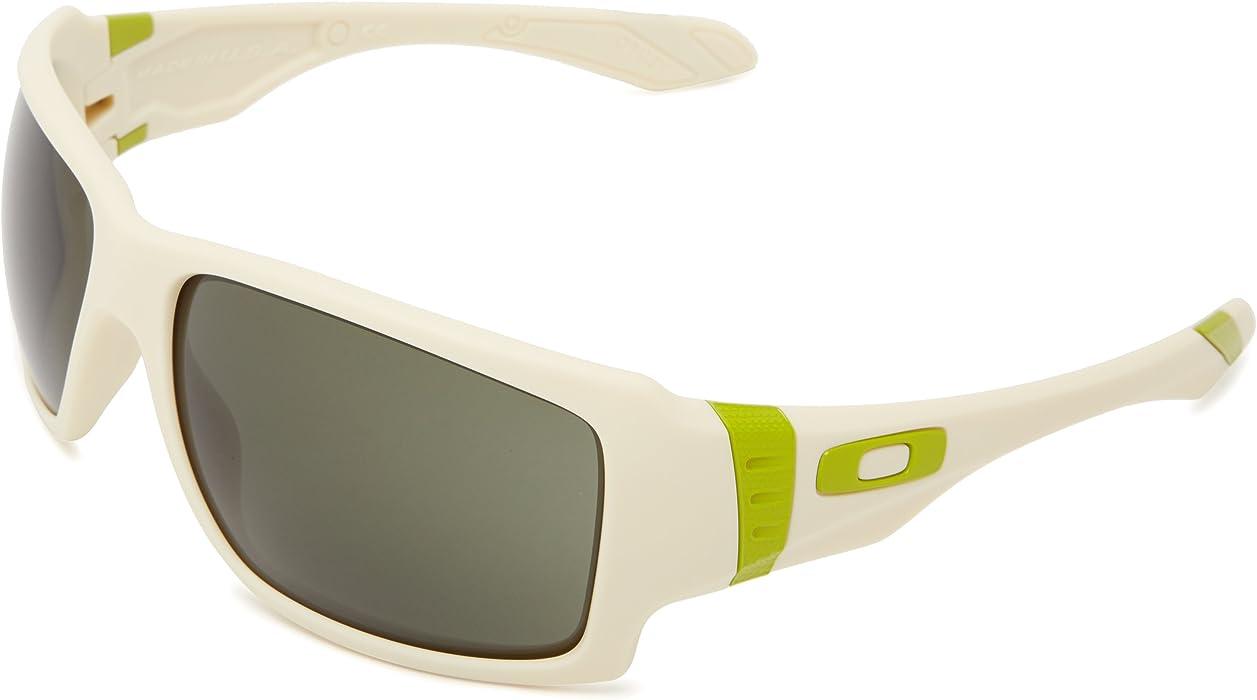 c907d9a6c44 Amazon.com  Oakley Big Taco OO9173-07 Oversized Sunglasses