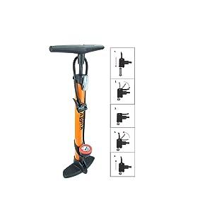 Bomba de pie P4B de acero para neumáticos de bicicleta, pelotas, colchones de aire, ancha y estable, pie de plástico en color naranja.