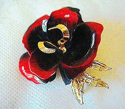 Vintage CORO Book Piece Large Red and Black Enamel with Goldtone Flower Brooch/Pin-Signed-New Old ()
