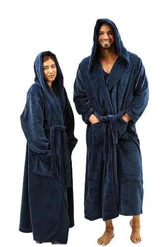 d09fadb66a Amazon.com  NDS Wear Unisex Plush Fleece Hooded Bathrobe for Women   Men  Long Hooded Robe  Clothing